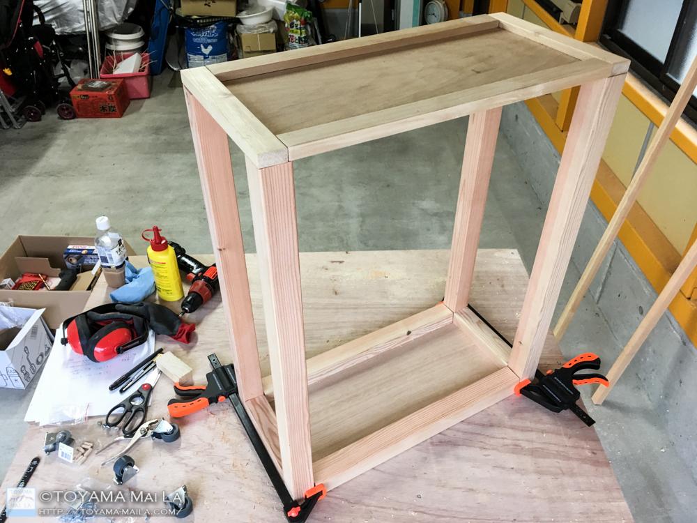 DIY キッチンワゴン タイル張り 天板 失敗1
