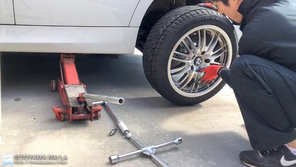 BMW E91 リアブレーキローター ブレーキパット 交換 DIY 1