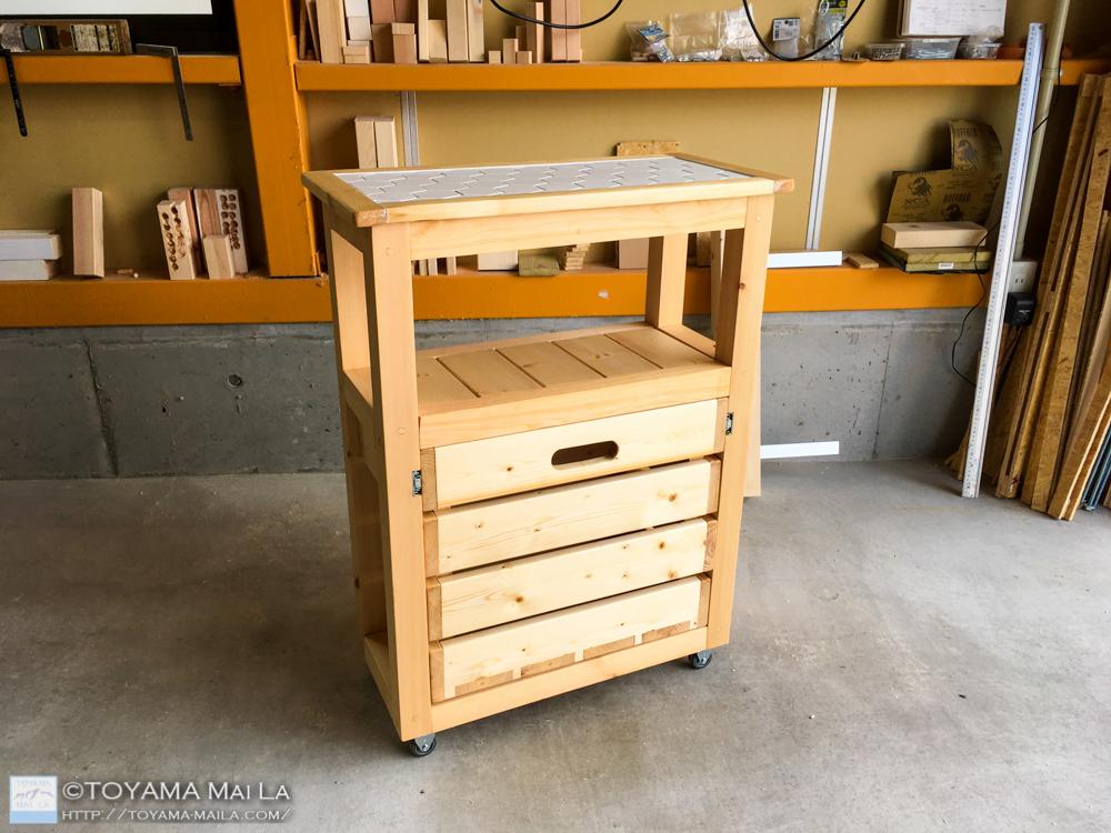 DIY キッチンワゴン タイル張り26