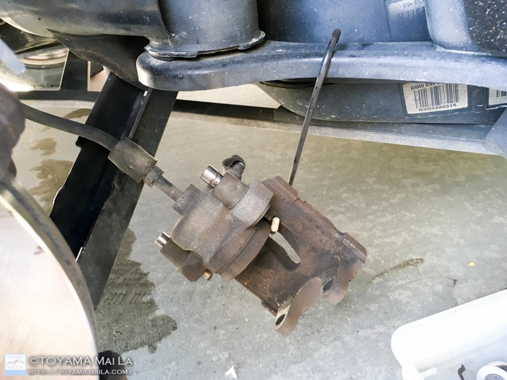 BMW E91 リアブレーキローター ブレーキパット 交換 DIY 33