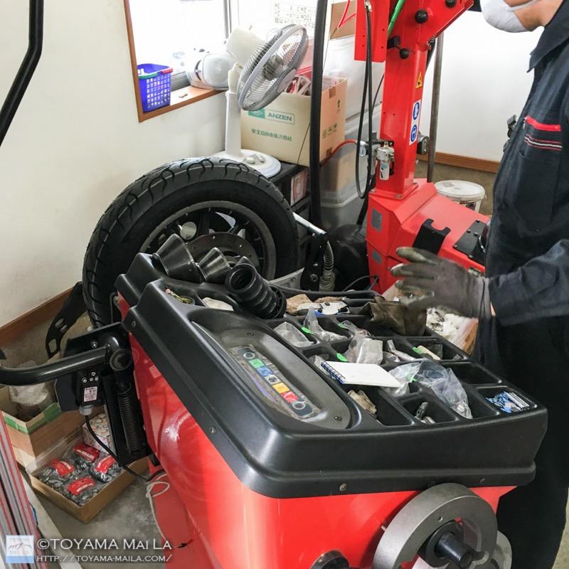 ハーレー FLHR ロードキング タイヤ交換 7