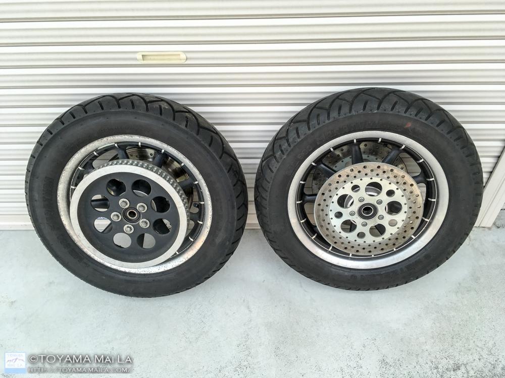 ハーレー FLHR ロードキング タイヤ交換 1