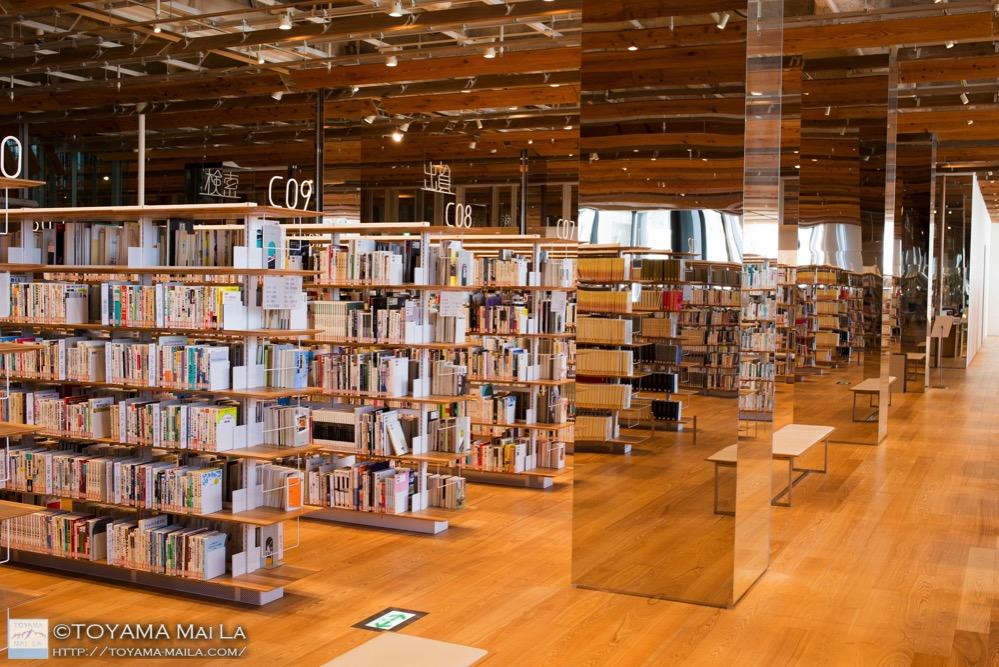 富山市立図書館 TOYAMAキラリ 観光スポット 2