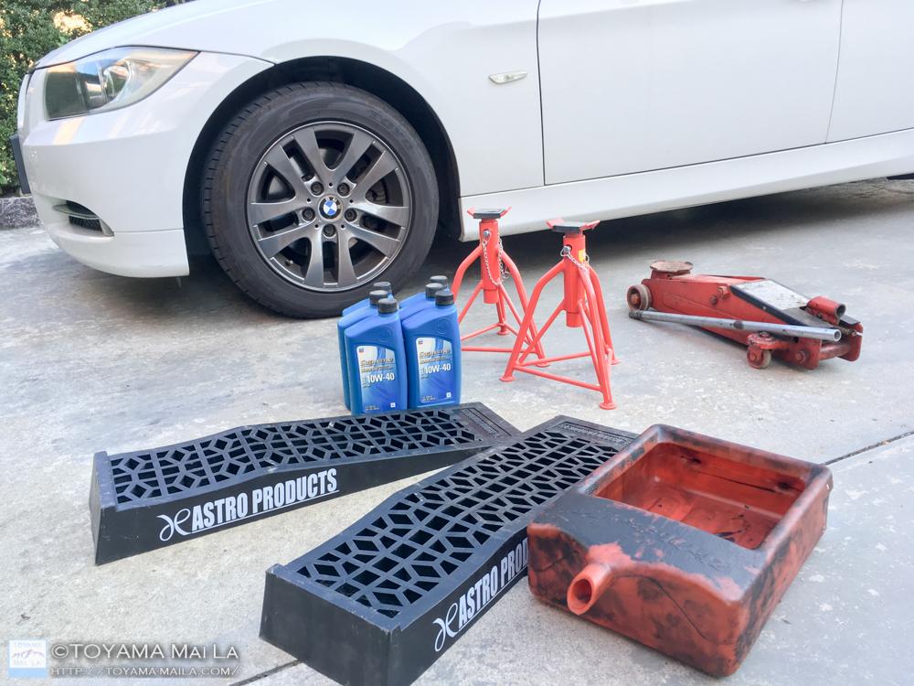 BMW W91 3シリーズ ツーリングワゴン オイル交換 コストコ シェブロン 10w 40 DIY 1